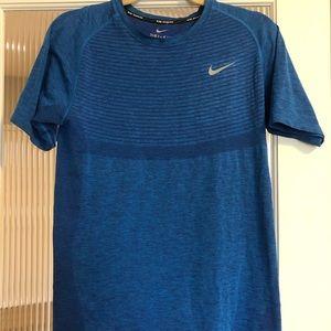 Blue Nike dri for running shirt SZ SM